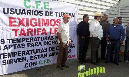 Manifestación frente a CFE