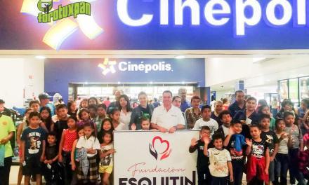 Arturo Esquitín celebra el Día de Reyes con niñas y niños en Tuxpan