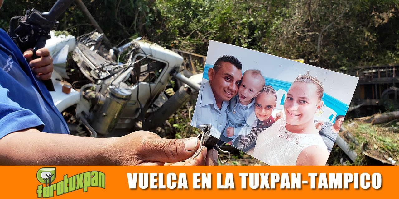 Trailer Vuelca en la Tuxpan-Tampico