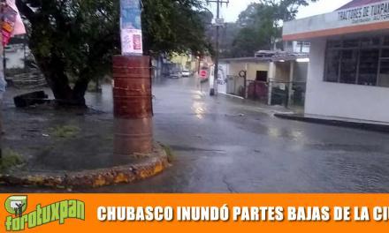 CHUBASCO INUNDÓ PARTES BAJAS DE LA CIUDAD