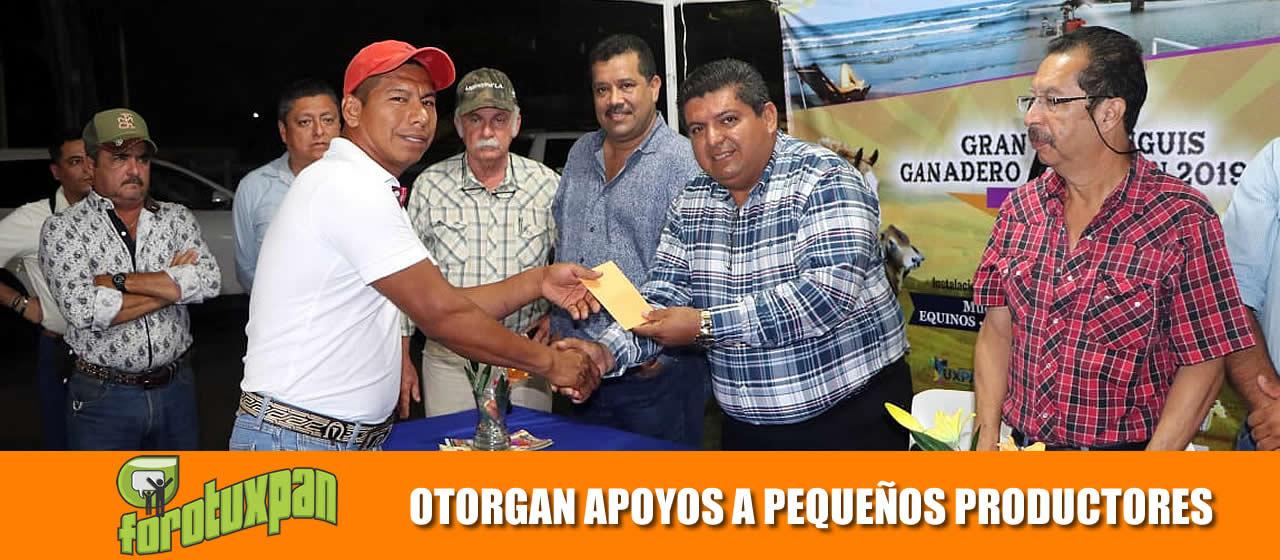 GOBIERNO MUNICIPAL OTORGA APOYOS A PEQUEÑOS PRODUCTORES