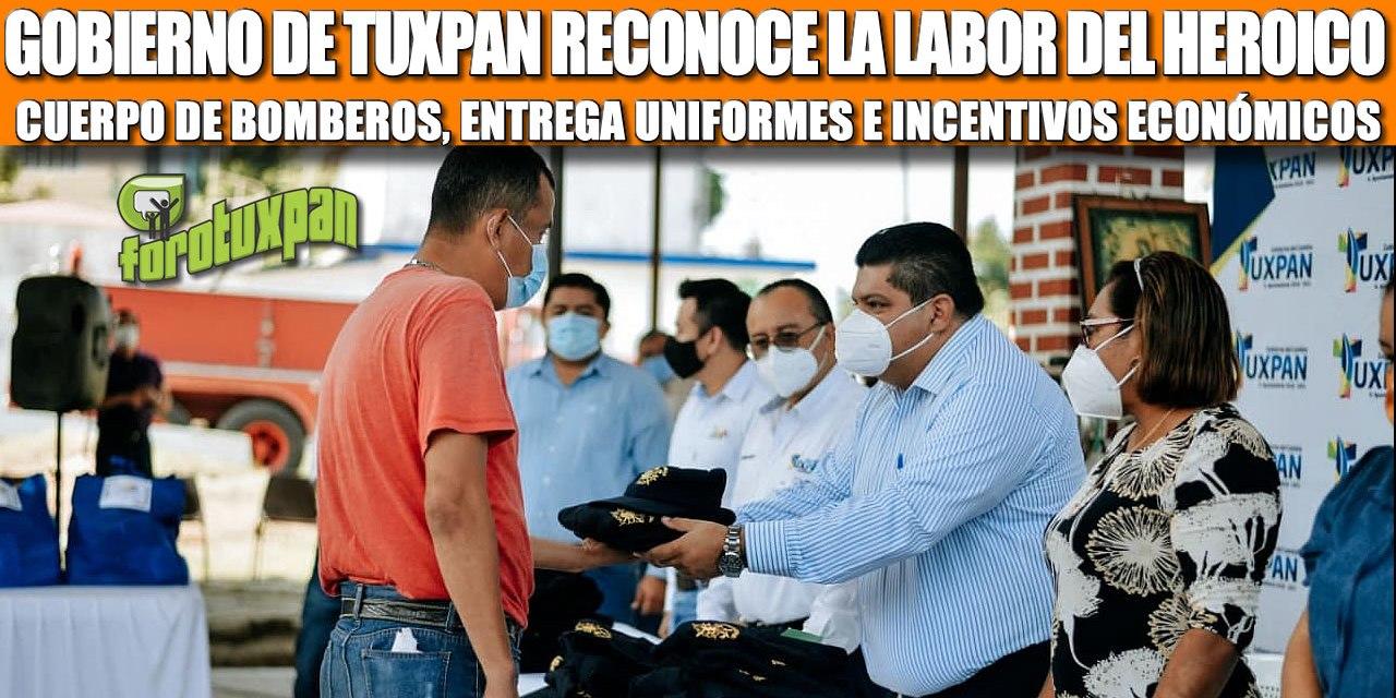 GOBIERNO DE TUXPAN RECONOCE LA LABOR DEL HEROICO CUERPO DE BOMBEROS, ENTREGA UNIFORMES E INCENTIVOS ECONÓMICOS