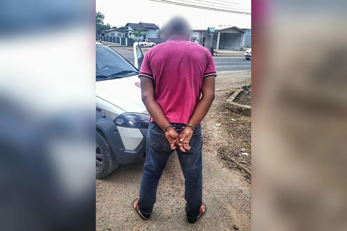Homem é detido após furtar celular no centro de Forquilhinha - Forquilhinha Notícias