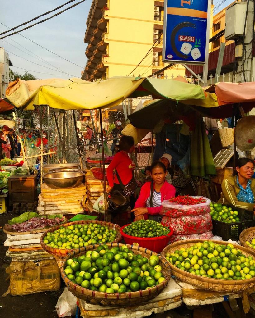 cambodia-market-lady-forteebello