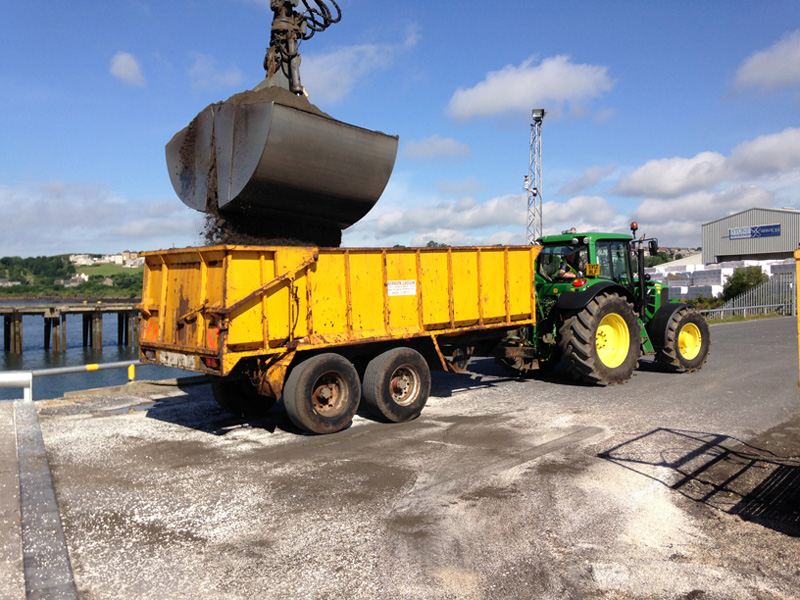 loading tractor trailer