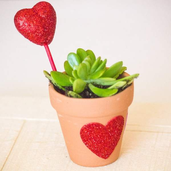 Easy Valentine's Day Craft Idea for Kids - Valentine's Party Ideas