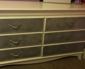 DIY - Glitter Dresser c6d6fe7dd