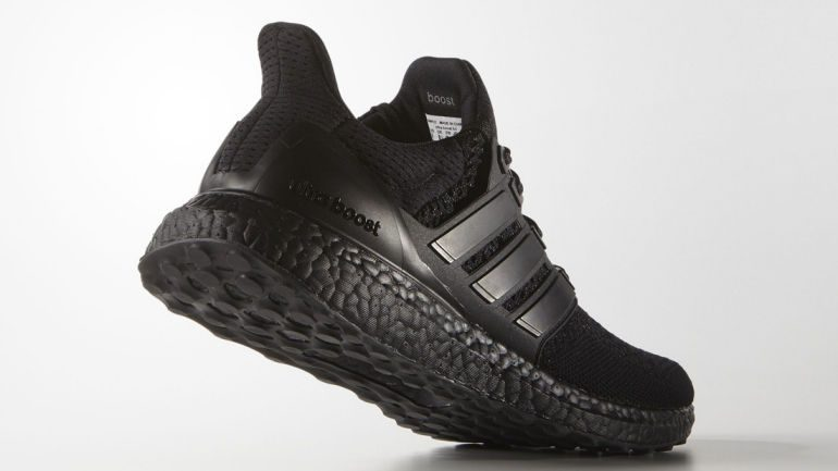 adidas-ultraboost-triple-black-02