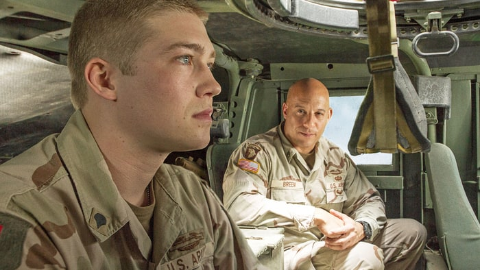 Billy Lynn's Long Halftime Walk Review
