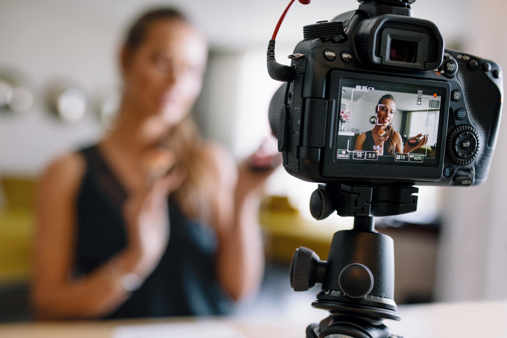 Top 6 Vlogging Cameras For Creating Videos