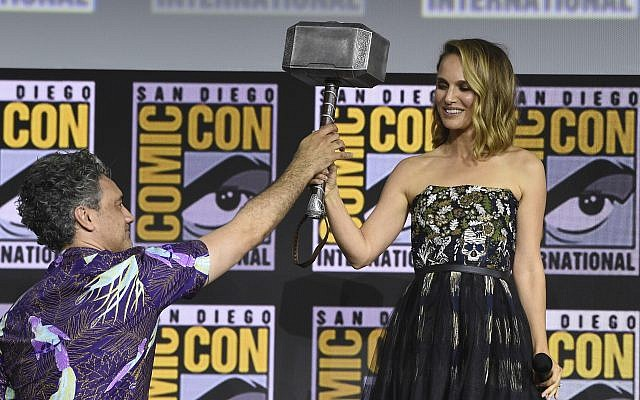 Natalie Portman Will Be A Female Thor In Thor: Love and Thunder
