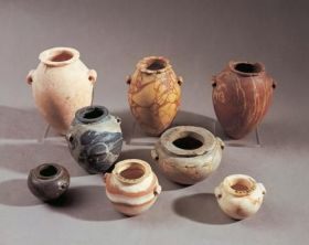 bowls-and-jars-made-of-stone_paris_musee-du-louvre
