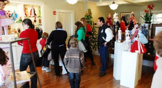 Holiday-events-at-store-071