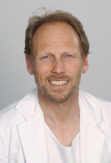 Dr. med. Thomas Hess, Specialista in pneumologia