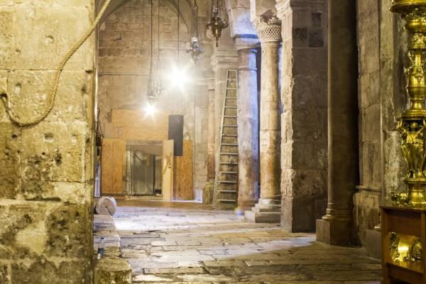 Археологи впервые за 500 лет вскрыли гробницу Христа в ...