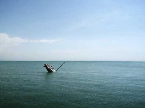 sinking boat 4