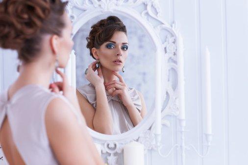 Spiegeltje, spiegeltje aan de wand