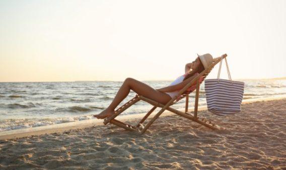 Straks weer strak op het strand
