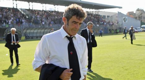 Il Bari calcio ha ufficializzato il nuovo allenatore per la prossima stagione, trattasi dell'ex trainer della Nocerina, Gaetano Auteri (59 anni il 21 settembre prossimo), protagonista della splendida cavalcata che […]
