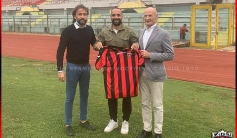 La Nocerina calcio comunica che è stato raggiunto l'accordo con il calciatore Agostino Garofalo classe 1984 per il rinnovo del contratto fino a Giugno 2022