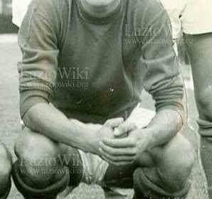 Si è spento a 73 anni Leo Boncori. Era nato a Montalto di Castro (VT) il 20 agosto 1947. Acquistato dall'OMI, gioca con la Primavera della Lazio nella stagione 1964/65. […]