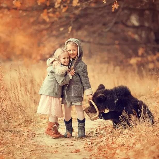 Crianças e animais, por Elena Karneeva