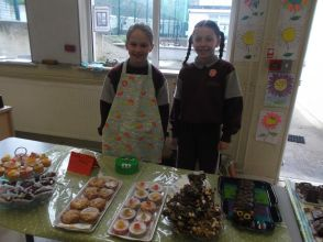 Bake Sale in 4th Class 2018 - 15