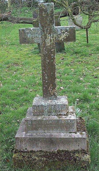 Grave 25