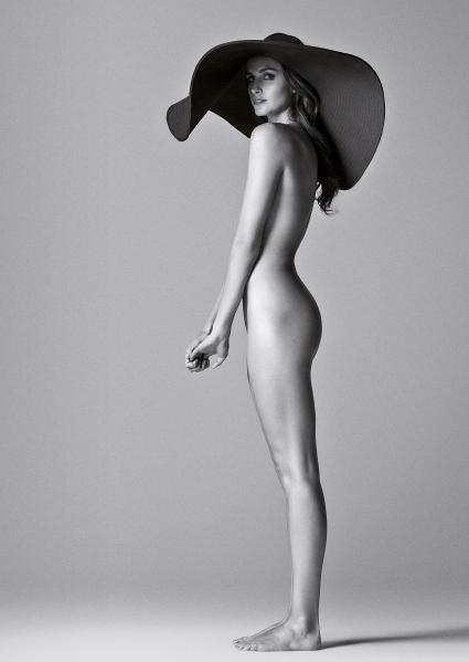 El Desnudo A Cuerpo Completo De Fernanda Urrejola Para Revista