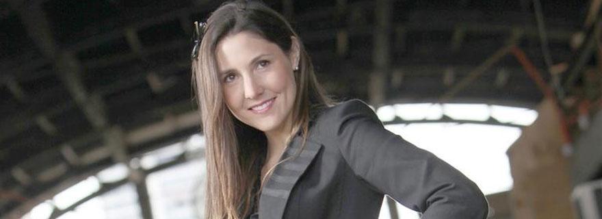 "¡Chascarro 2017! Periodista de ""Ahora Noticias"" envió saludos a ""Elsa Porrico"""