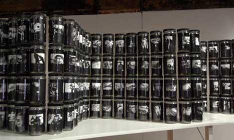 World in a Jar: War and Trauma © Robert Hirsch