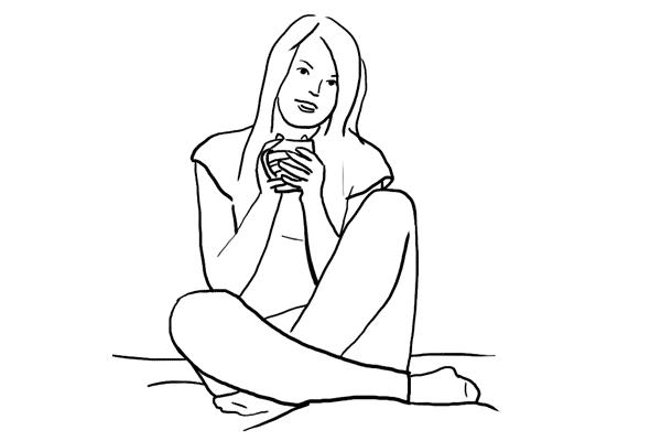 (5) 這個 pose 很適合坐在梳化或床上,為了令動作更自然,可以請 model 拿著一些物件,例如拿著水杯暖手。