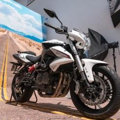 5 Motorrad trifft Leinwand