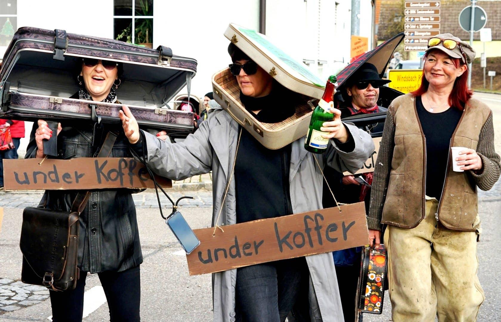 under Koffer - von Werner Eischer
