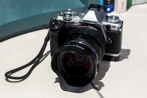 Olympus Kamera mit Objektiv
