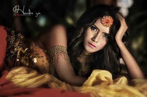 Winda Rahayu Model Terseksi Versi FHM Penggiila tato