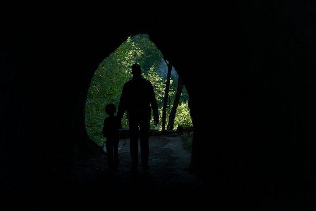 natuurlijk kader door grot