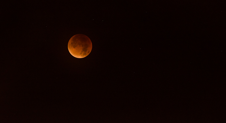 Volledige maansverduistering - bloedmaan