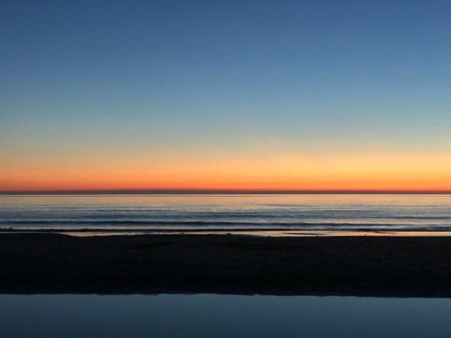 Kleuren in de lucht na een zonsondergang zonder groene flits