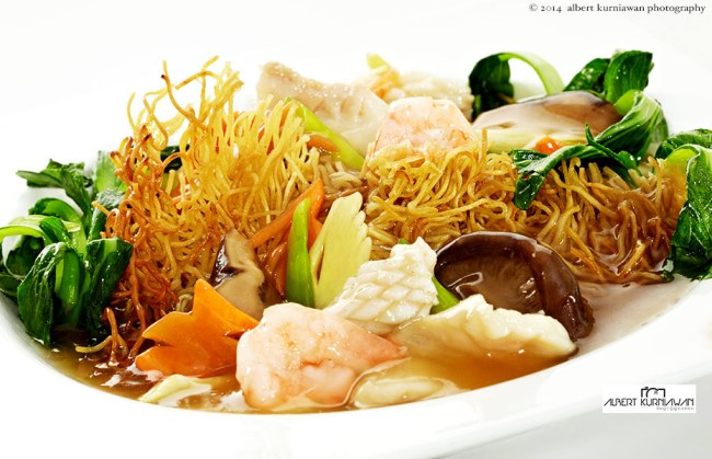 golden-chef-mie-seafood-siram