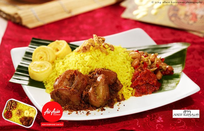 air-asia-indonesia-nasi-kuning-ayam