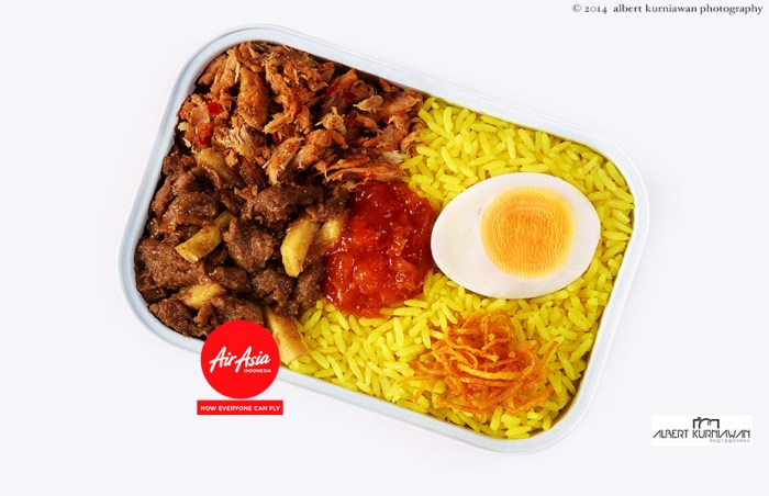 air-asia-indonesia-nasi-kuning-manado