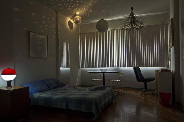 Mesmo quarto fotografado sem flash