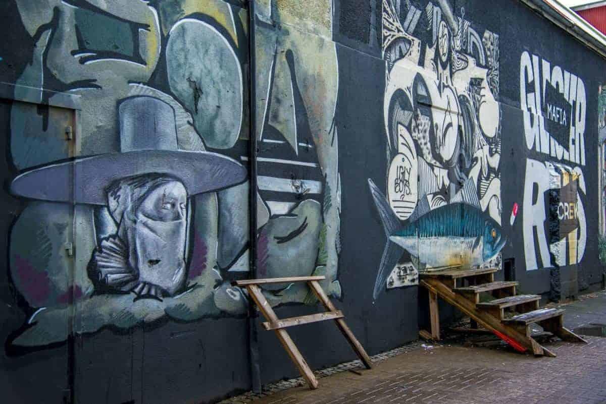Graffiti zie je veel op muren van huizen in Reykjavik. Deze is gefotografeerd tijdens een fotoreis. IJsland