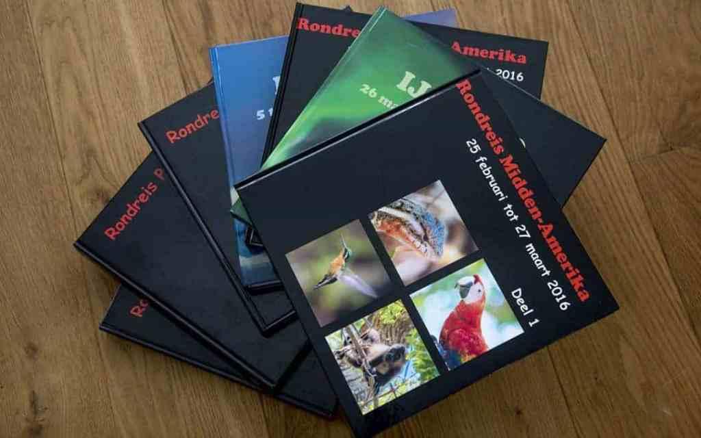 Fotoboeken op een stapel