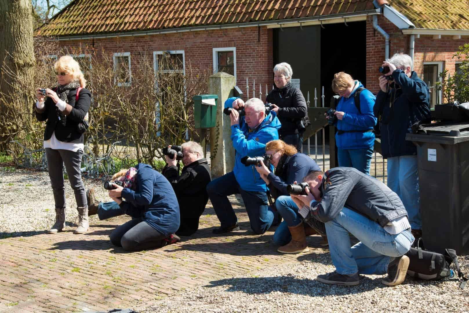 Cursisten bezig met opdracht tijdens Praktijkdag Fotografie - basiscursus fotografie