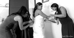 bruidsfoto-Liemers; babberich; reijmers; jansen, aankleden