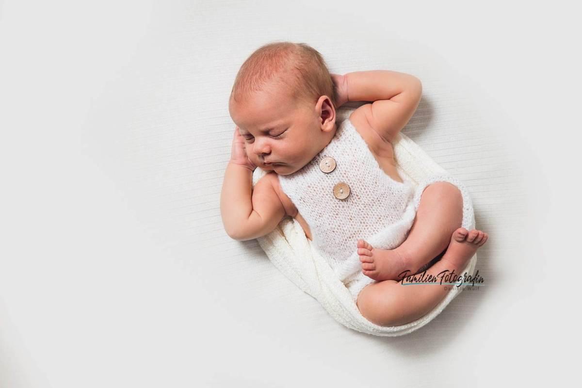 ccby danielawulf 2021 IMG 4555 Kopie - Baby Fotografin Daniela Wulf - Deine Neugeborenen- und Familien Fotografin mit Herz für Bremen, Achim, Verden, Bruchhausen-Vilsen umzu- 2021