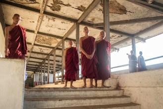 Mniši, Mandalay Hill, Mandalaj