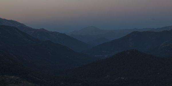 Nydelig skumring over flere åskammer i området Cazorla, et naturreservat i Jaen regionen i Spania.